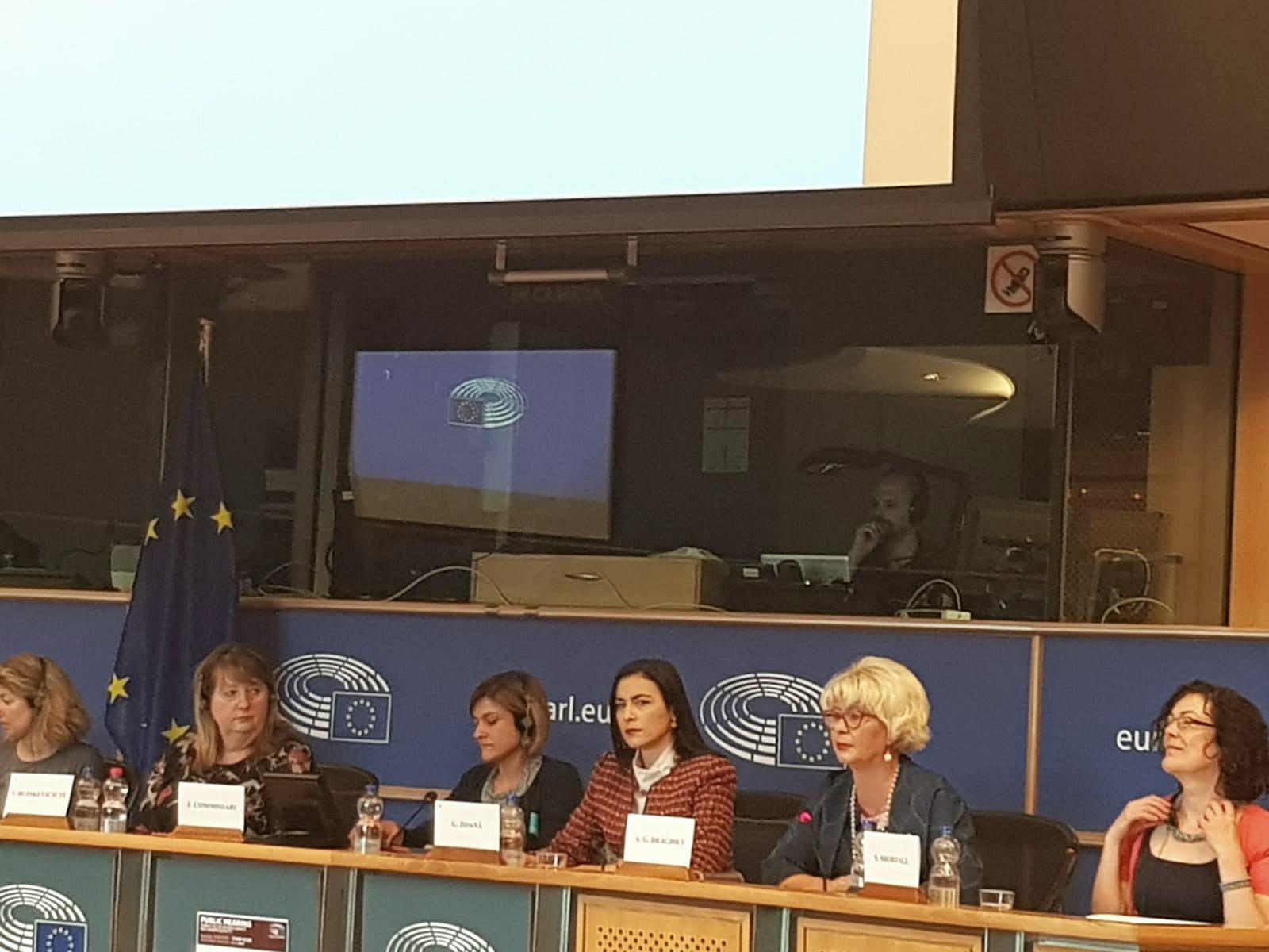 """Pe data de 15 mai, secretarul de stat al ANES, Grațiela Drăghici, a participat în calitate de speaker la audierile comisiilor reunite FEMM și LIBE ale Parlamentului European pe tema: """"Situația femeilor migrante lucrătoare în agricultură și în fermele din UE""""."""